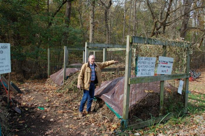 Glover Park Compost Heap 11-10-19 DSC_0447